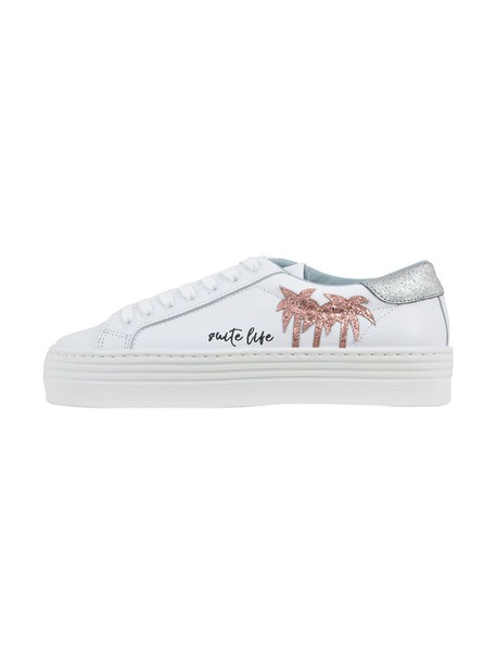 Chiara Ferragni white shoes
