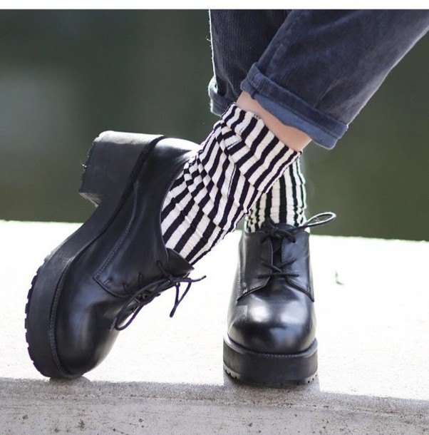 socks stripey whitepepper shoes boots ankle boots chunkyboots hipster vintage grunge streetstyle retro stripes