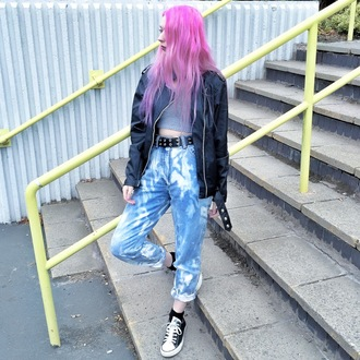 kayla hadlington blogger acid wash jeans black leather jacket