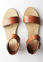 shoes,flats,minimalist shoes,summer,sandals,brown,flat sandals,tan,tan sandals,leather sandals,tan leather,strappy sandals,minimalist,minimalist sandals,brown sandal with a trap on the anklees,cute,brown leather sandals,brown sandals