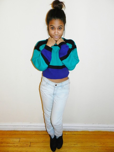 clothes black sweater blogger tumblr blue teal big cropped green bun jeans