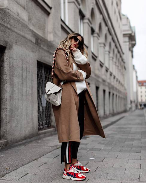 coat long coat wool coat oversized sweater sneakers jeans stripes black jeans sweater shoulder bag sunglasses camel coat
