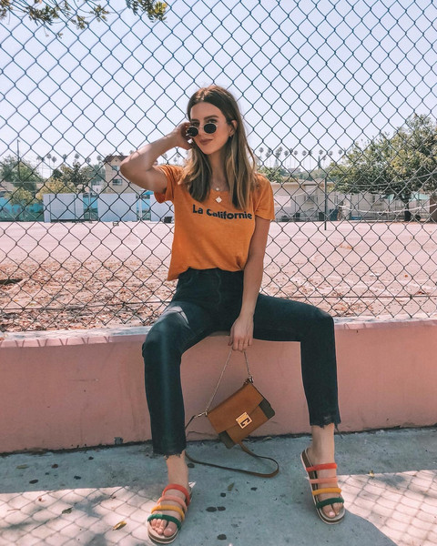 take aim blogger t-shirt jeans shoes bag sandals summer outfits