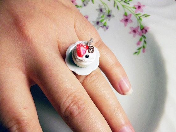 cupcake ring van rabbitsillusions op Etsy