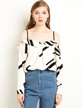top off the shoulder monochrome