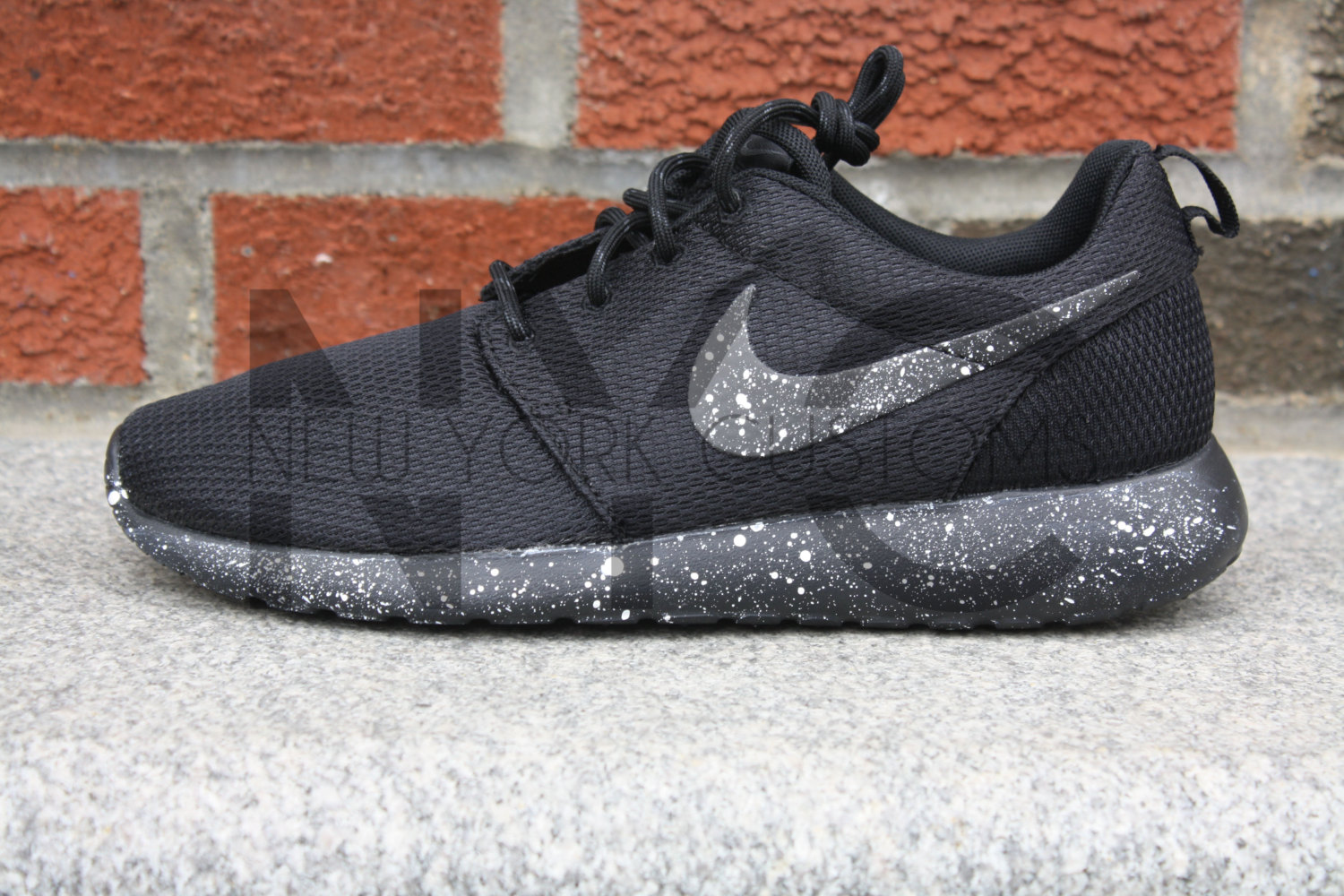 nike roshe one laufen schwarz wei splatter oreo gefleckt. Black Bedroom Furniture Sets. Home Design Ideas