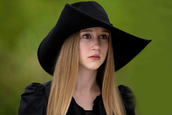 hat,american horror story,violet harmon,coven,zoebenson,cute,americanhorrorstorycoven