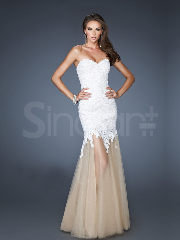 dress floor length and embelished with lace sweetheart and natural