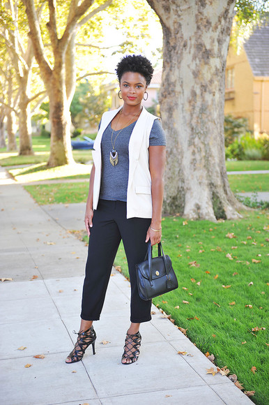 jewels necklace blogger bag jacket the lipstick giraffe t-shirt lace up black heels tailoring