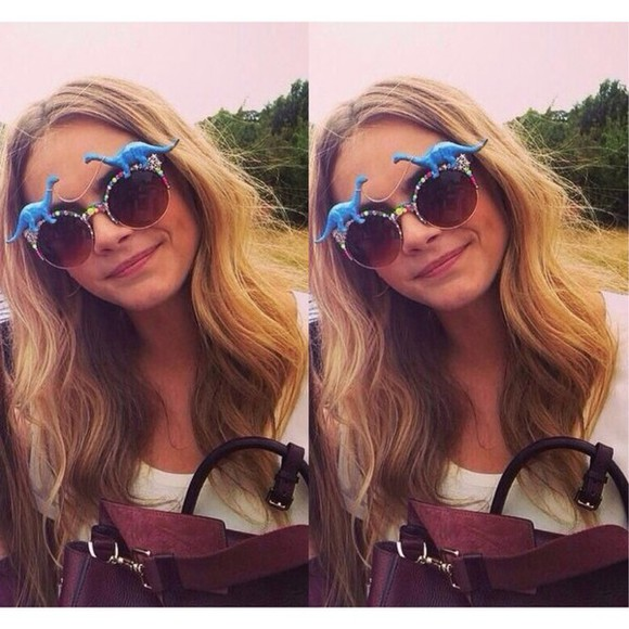 cara delevingne sunglasses summer outfits