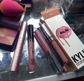 make-up,beauty blender,kylie cosmetics,lipstick,lip liner,cheek blush