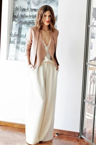 le fashion image blogger jacket dusty pink wide-leg pants classy office outfits