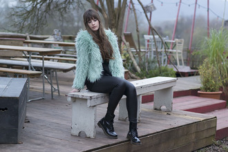andy sparkles blogger leggings mint drmartens faux fur jacket