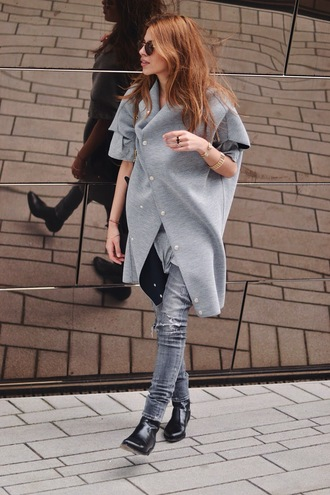 maja wyh blogger ripped jeans grey oversized asymmetrical