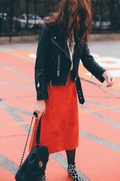 skirt,tumblr,midi skirt,red skirt,jacket,black jacket,black leather jacket,leather jacket,backpack,black backpack,boots,printed boots,ankle boots,top,brunette,tights,cute outfits,outfit idea,perfecto,wavy hair,suede skirt