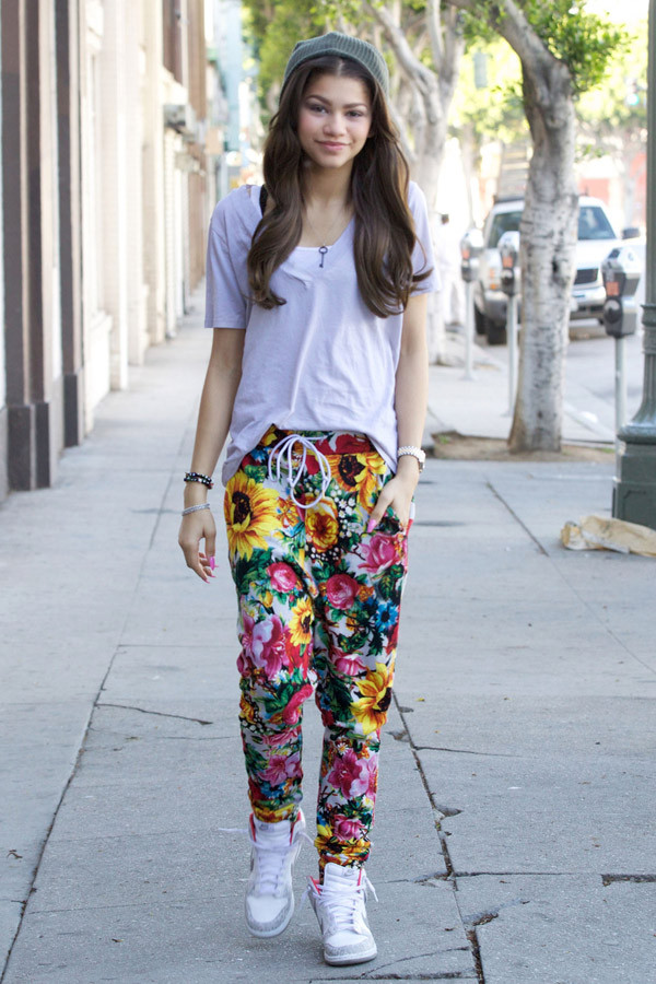 pants zendaya pants shoes floral pants celebrity hat cool shoes clothes hat