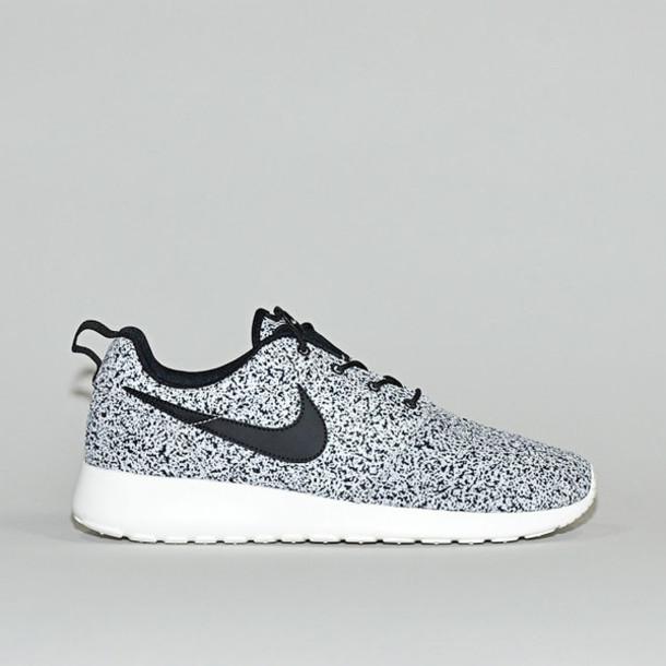 nike roshe womens running shoes