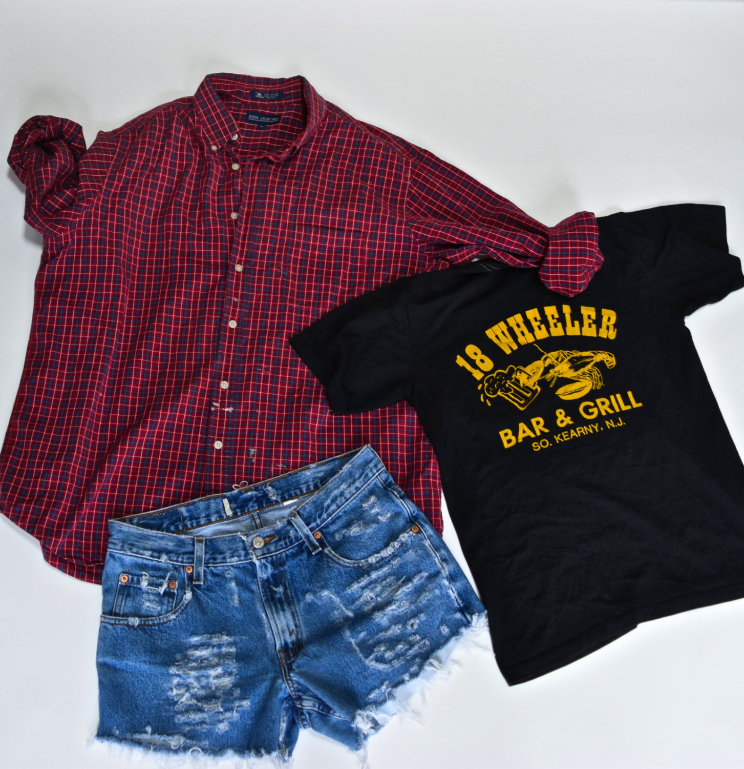 Mystery grunge 90s outfit flannel shorts tshirt / hipster indie 1990s / tshirt / mystery outfit distressed back to school