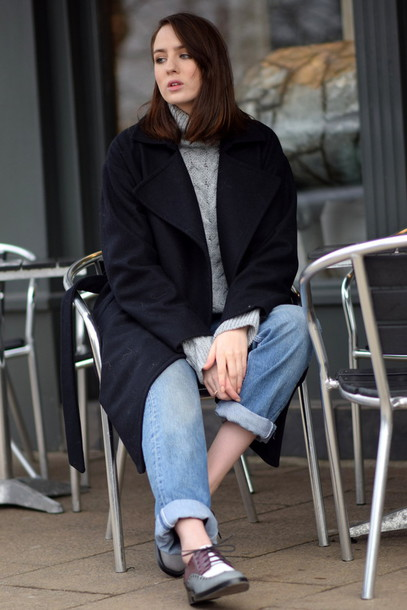 shot from the street blogger derbies cable knit grey cable knit sweater sweater grey sweater coat black coat denim jeans blue jeans