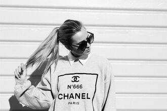blouse chanel sweater oversized sweater oversized grey grey blouse blonde hair sunglasses beautiful girl chanel t-shirt jumper chanel sweater cardigan