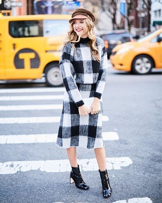skirt matching set white boots gingham two-piece sweater knitwear knit boots ankle boots