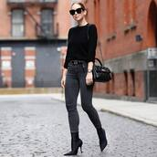 sweater,jumper,knitted sweater,black jeans,skinny jeans,belt,sock boots,high heels boots,shoulder bag,sunglasses