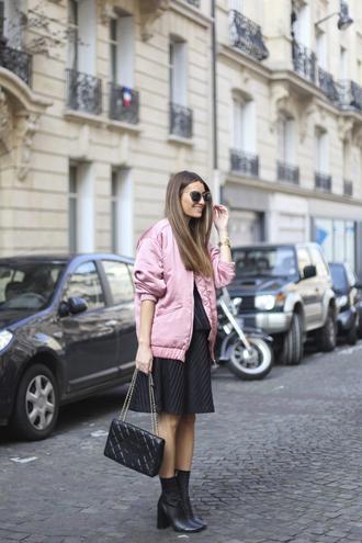 b a r t a b a c blogger sunglasses bag pink bomber jacket black dress chanel black boots