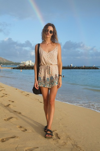 styling my life blogger romper sunglasses shoes jewels summer outfits beach sandals shoulder bag
