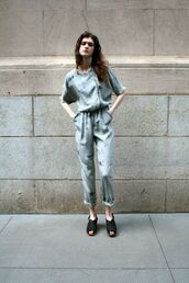 jumpsuit,cropped jumpsuit,blue jumpsuit,cropped,streetstyle,sandals,black sandals,summer outfits