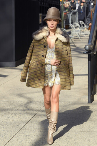 jacket dress boots hat nyfw 2017 fashion week 2017 marc jacobs runway adwoa aboah
