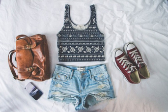 dress shoes shorts bag tank top tribal pattern black white black and white tumblr ootd shirt blouse leither bag cute high wasted light wash cut denim summer outfits flowers washed out faded brown bag aztec aztec crop top denim shorts converse brown must have old oldschool school bag t-shirt