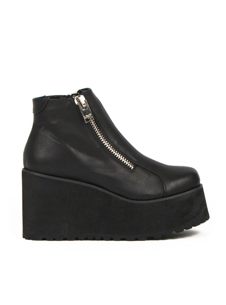4dc02769ace8 shoes