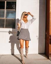 shoes,boots,suede boots,knee high boots,mini skirt,high waisted skirt,white shirt,sunglasses,necklace,shoulder bag