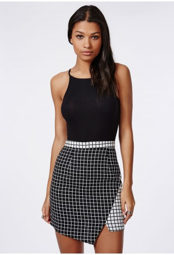 Missguided - Contrast Check Asymmetric Skirt Black