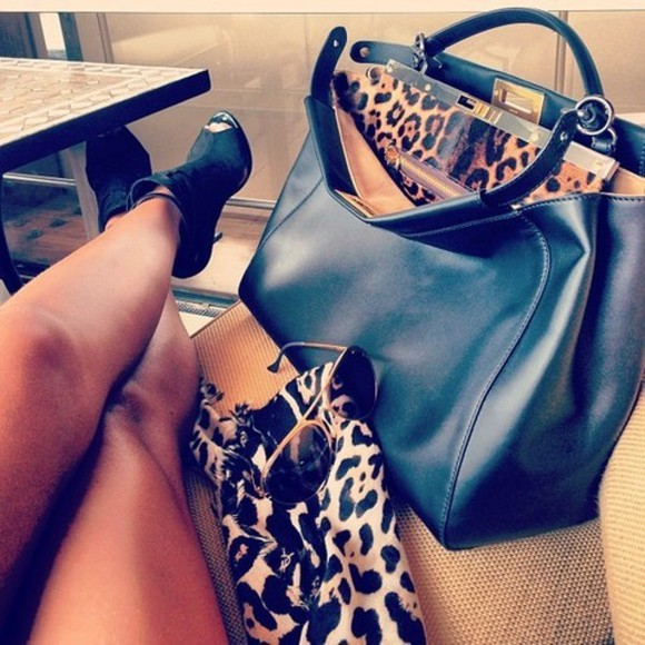 victoria beckham bag black leather leopard print