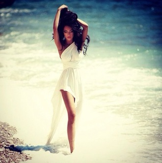 white dress dress white gorgeous beach summer sunshine flowing high-low dresses flowing white dress shoes long maxi maxi dress summer dress beautyful pretty amazing beautiful mini dress perfection body little brunette perfect girly water sea white summer dress
