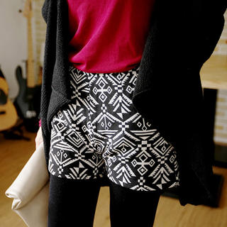 Geometric Patterned Shorts - Tokyo Fashion | YESSTYLE