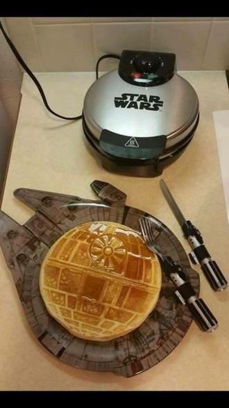 home accessory star wars waffle maker knife fork cutlery plate millennium falcon death star lightsaber