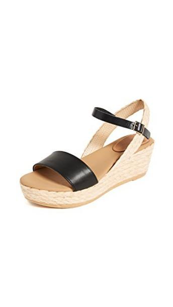 Matt Bernson black shoes