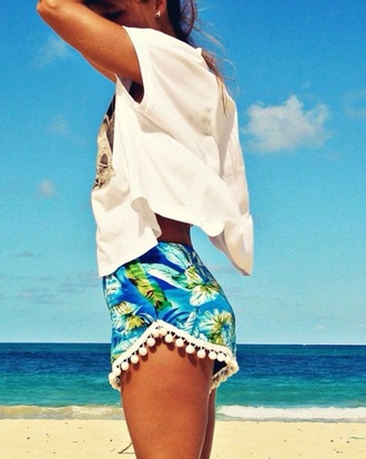 shorts tropical