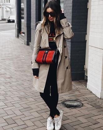 bag red bag sneakers coat gucci bag crossbody bag leggings black leggings white sneakers trench coat sunglasses