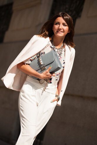 lovely pepa blogger white pants white jacket grey bag
