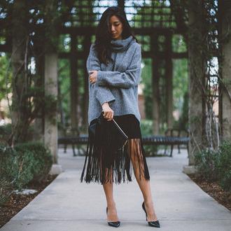 honey n silk blogger bag shoes fringed bag fringes black skirt grey sweater