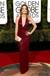 dress,burgundy,burgundy dress,plunge dress,olivia wilde,clutch,sandals,gown,prom dress,Golden Globes 2016,red carpet dress,red carpet,shoes,bodycon dress,sequin dress,sexy dress