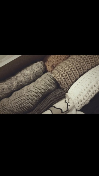sweater sweater weather autumn/winter autumn fasion autum herbst herbst/winter comfy cozy cozy sweater warm warm sweater warm outfit soft knitted sweater knitted top grey knitted sweater top long sleeves long long slee grey sweater grey brown chocolate comfysweater comfy sweater winter outfits winter sweater winter swag