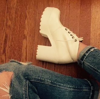 shoes white chunky sole ripped jeans chunky heels chunky boots white boots grunge hipster boots white shoes jeans platform shoes cute platforms