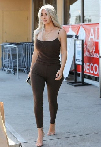 top leggings kim kardashian kardashians tank top sandals pants