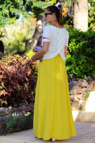 marilyn's closet blog blogger neon yellow maxi skirt cut-out