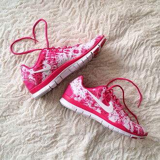 white pink shoes nike trainers running shoes nike running shoes nike nike free run sportswear athletic pink and white