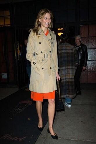 coat trench coat karlie kloss midi dress fall outfits fall coat